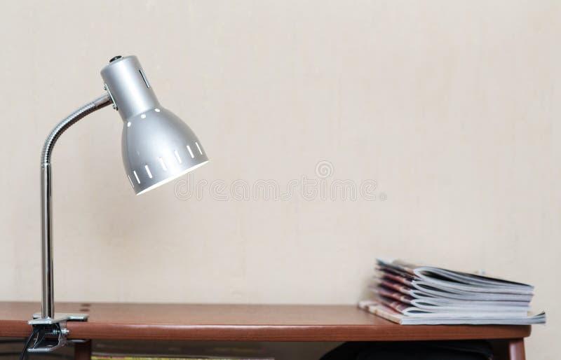 Lampa med en klädnypa royaltyfria bilder