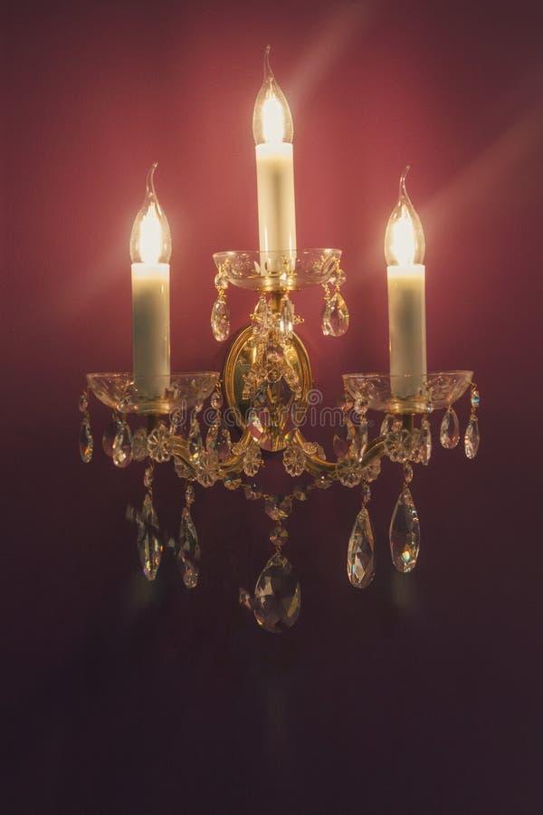 Lampada da parete nello stile classico che appende sulla vostra parete immagine stock