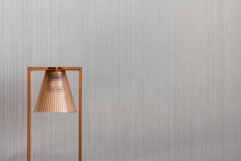 Lampada di rame moderna ed elegante fotografia stock