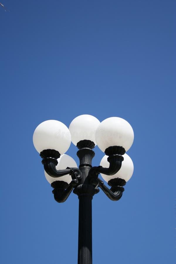 Download Lampada di via fotografia stock. Immagine di adattato, lanterna - 211550