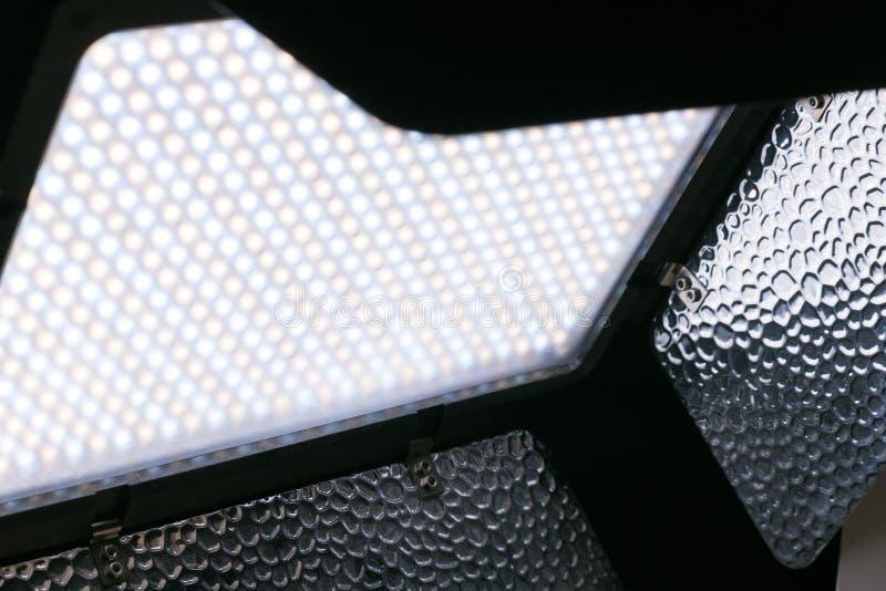 lampada a LED con porte a fienile fotografia stock