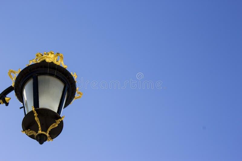 Lampadaire à Royal Palace de Madrid photographie stock