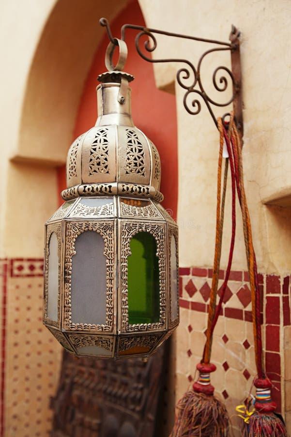 Lampade Marocchine Delle Lanterne Del Metallo E Di Vetro Nel Souq Immagine Stock Libera da ...