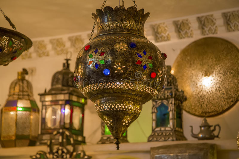 Lampade orientali fotografia stock immagine di appendere 45172698 for Marokkanische dekoration