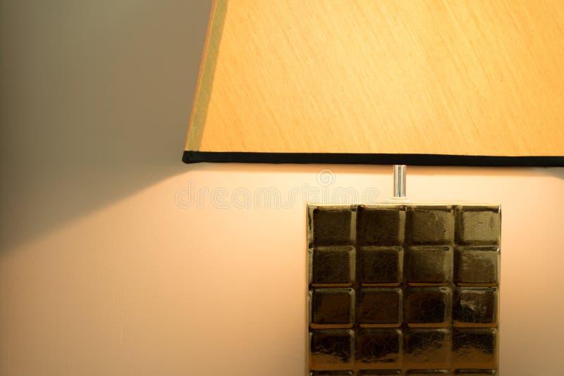 Lampe à la chambre à coucher avec l'espace de copie photographie stock libre de droits