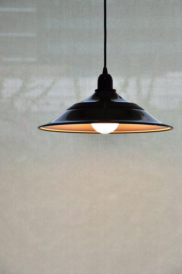Lampe à pente incurvée avec Copyspace photo libre de droits