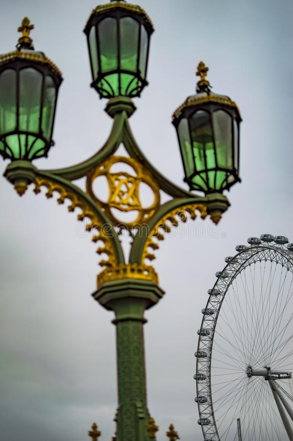 Lampe ?lectrique sur le pont Londres de Westminster photos libres de droits