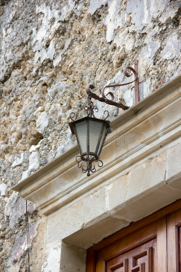 Lampe über der Tür lizenzfreies stockfoto