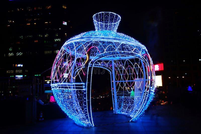 Download Lampe photo éditorial. Image du lampe, beau, lumière - 76086226