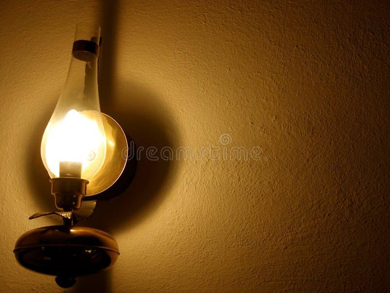 Download Lampe auf Wand stockfoto. Bild von hell, retro, ablichtung - 32010