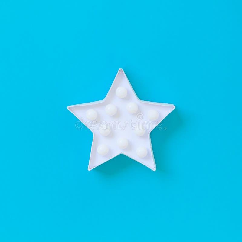 Lampe blanche en forme d'étoile de lumières de LED photos libres de droits