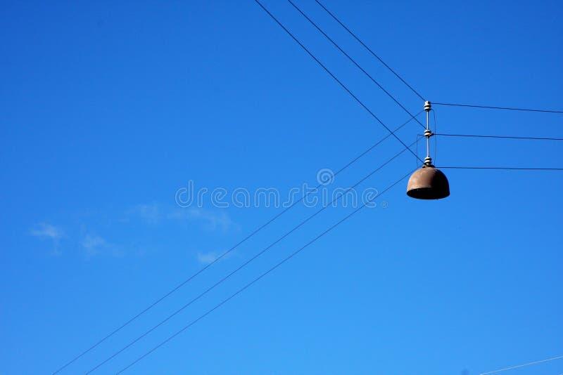 Lampe danoise sur des câbles image stock