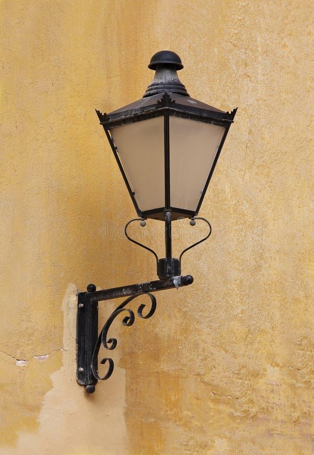 Lampe de fer travaillé photographie stock libre de droits