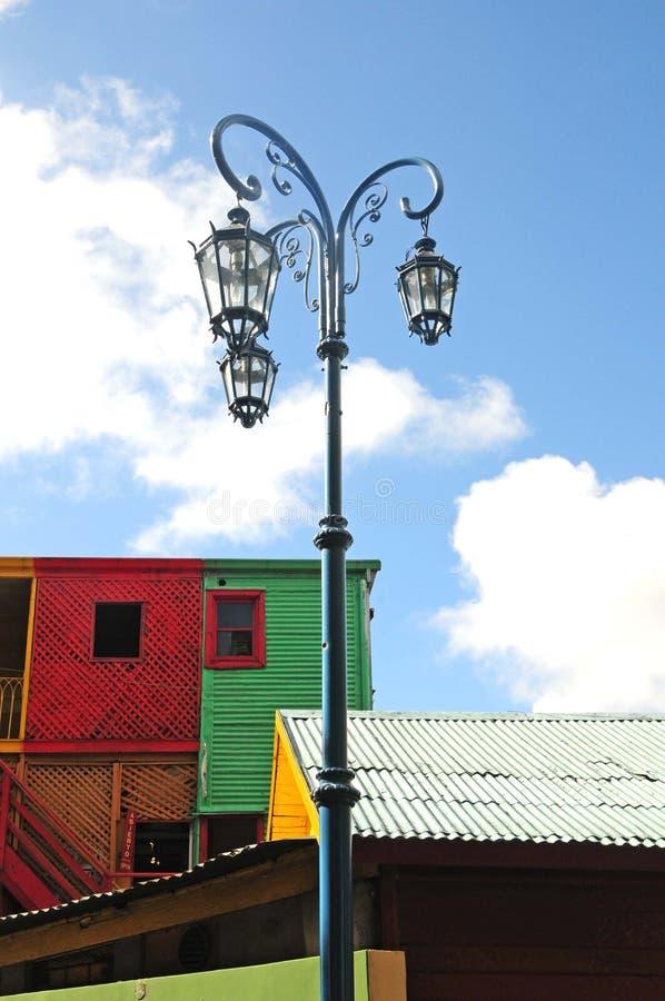 Lampe de Steet dans le caminito à Buenos Aires photographie stock libre de droits