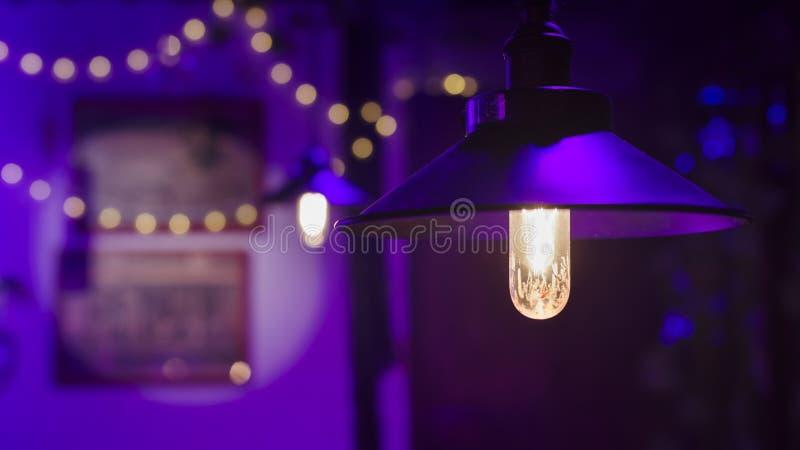 Lampe in der Kneipe lizenzfreie stockfotografie