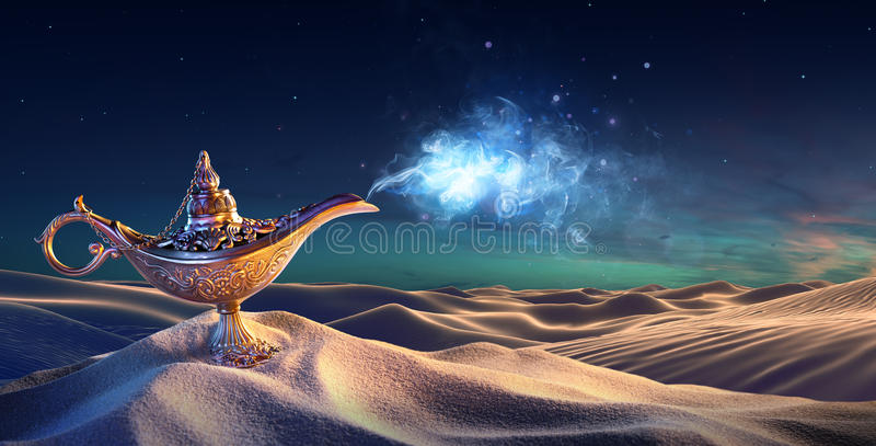 Lampe des souhaits dans le désert - Genie Coming Out images libres de droits