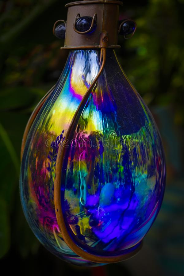 Lampe en verre de couleur de Raindow photographie stock libre de droits