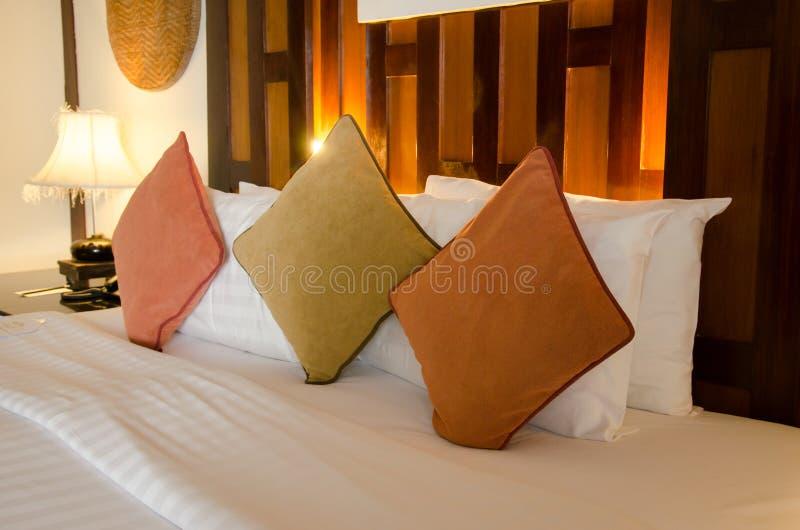 Lampe et oreiller image stock