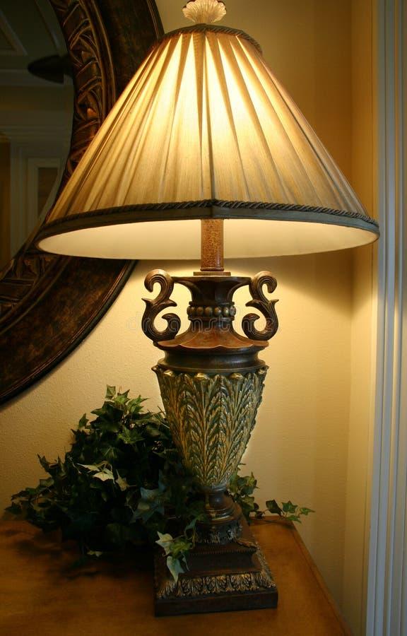 Lampe fleurie image stock