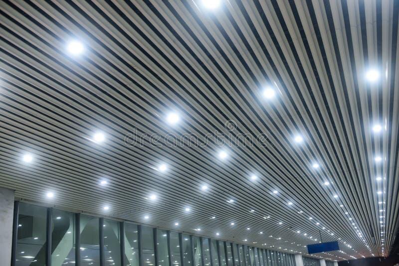 Lampe moderne de lumière de tir sur le toit images stock