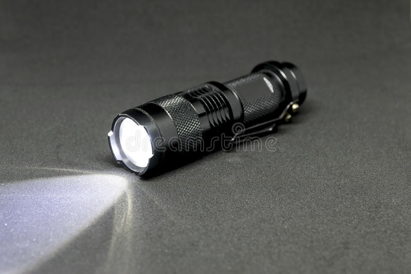 Lampe-torche de la poche LED photo stock