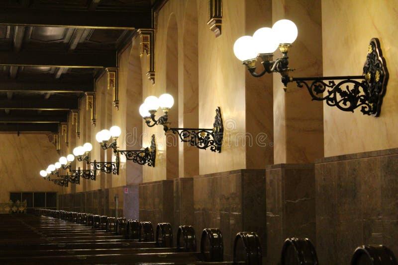 Lampen in der Synagoge stockfoto