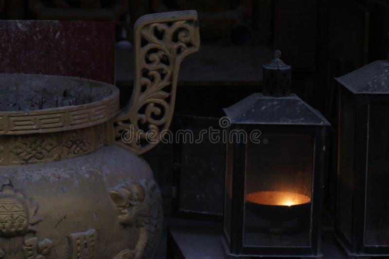 Lampen-Feuer-altes drastisches lizenzfreie stockfotografie