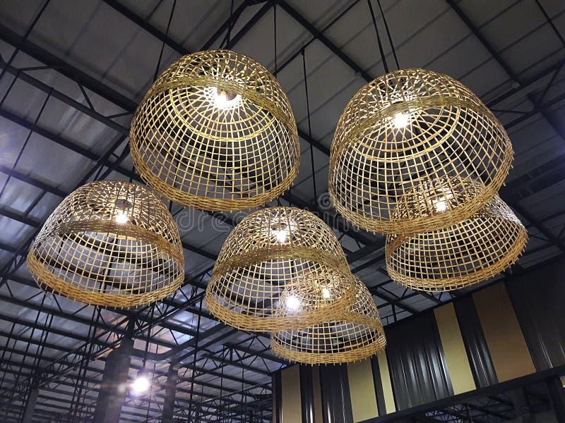 Lampen - kleurrijke ontwerp verlichte achtergrond royalty-vrije stock foto
