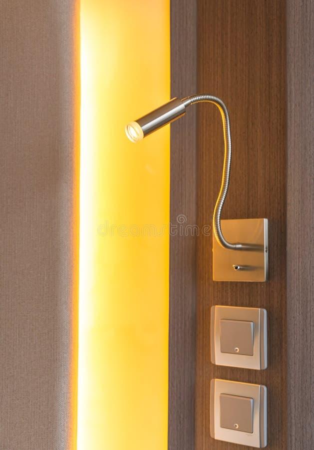 Lampenlicht eines Betts stockfoto