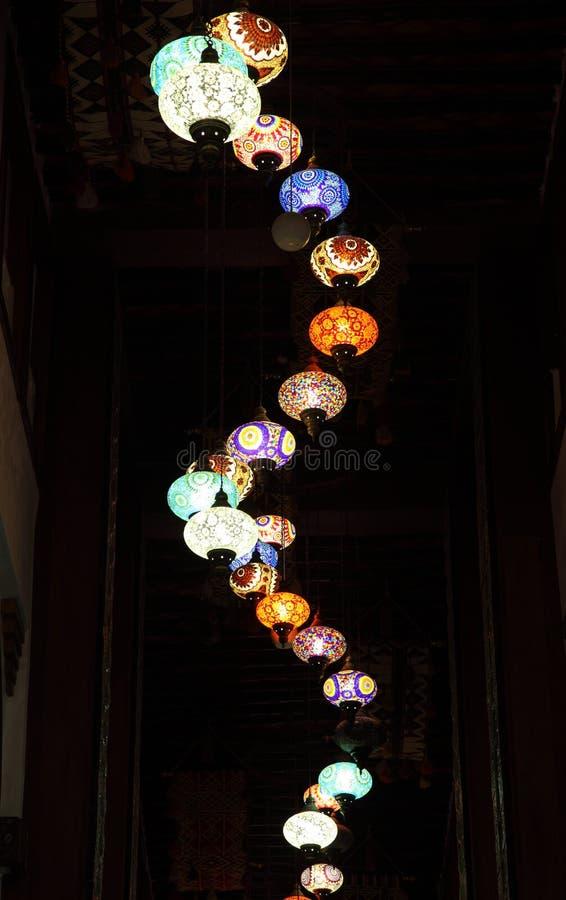 Lampes orientales traditionnelles dans Doha, Qatar photographie stock libre de droits