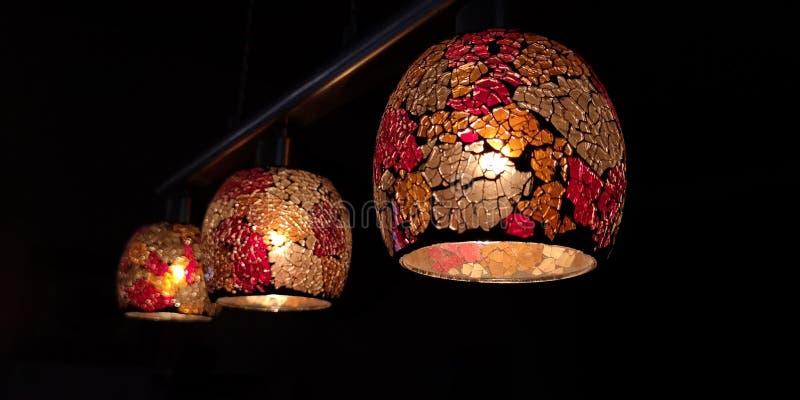 Lampes pendant la nuit image libre de droits