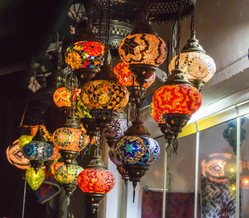 Lampes turques faites main en verre de mosaïque image libre de droits