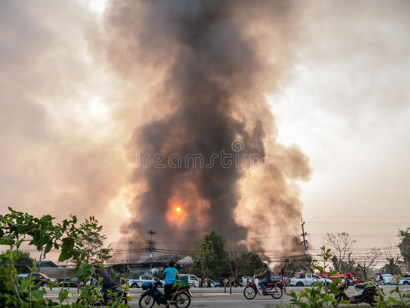 Lamphun, Thailand - 9. April 2016: Während des Morgens am 9. April, 2 lizenzfreie stockfotografie
