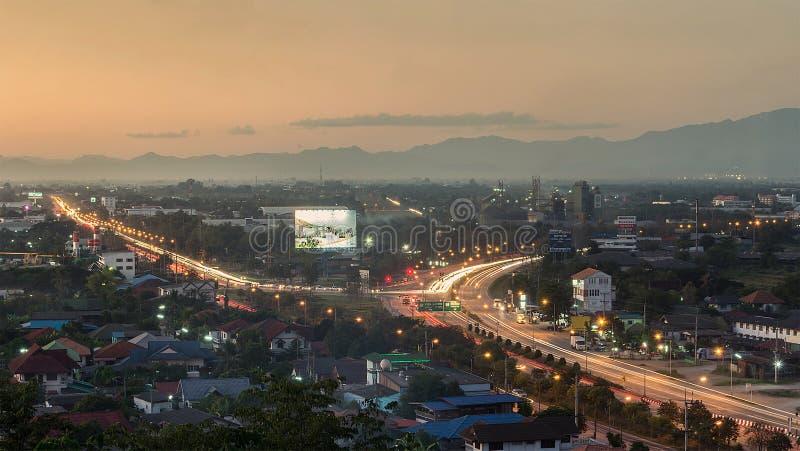 Lamphun, Thailand, am 9. Dezember 2015: Großartiger Abend von Lamph stockbild