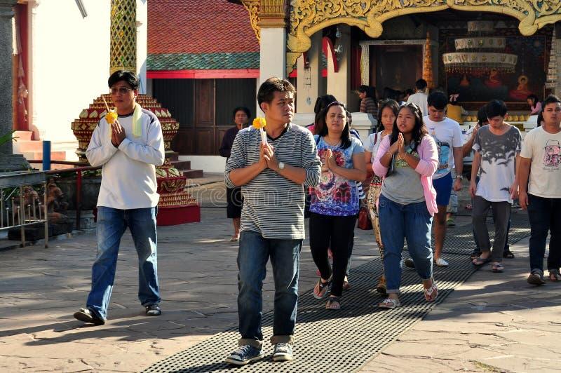 Lamphun, Thailand: Thais, das Übertragungsgüte macht stockfotos