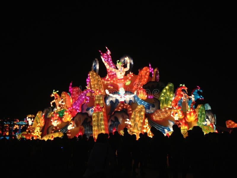 Lampion chinois la nuit images stock