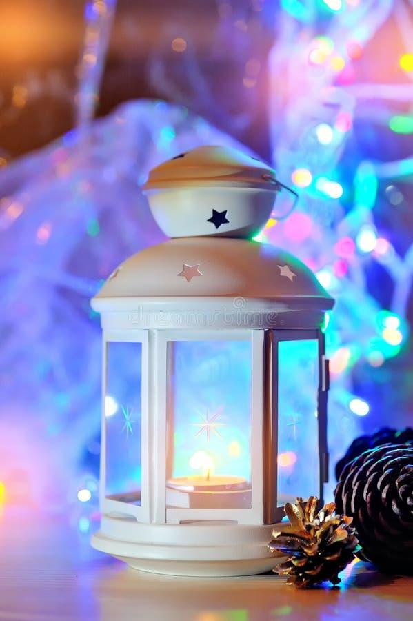 Lampion na śnieżnym tle boże narodzenie izolacji dekoracji white boże narodzenie w tle obramiająca wakacyjna scena obrazy royalty free