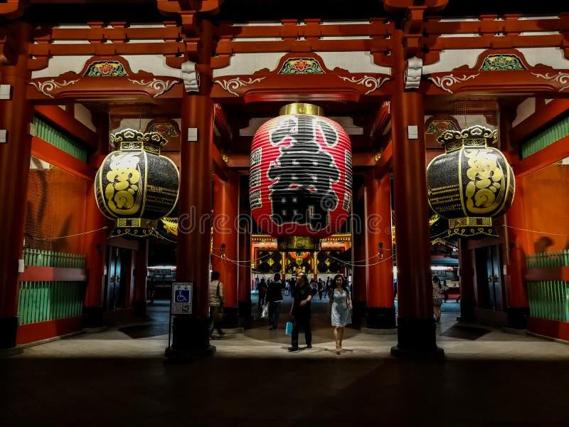 Lampiony przy Sensoji świątynią TempleTokyo lub Asakusa, Japonia Sep 22, 2018 zdjęcie royalty free