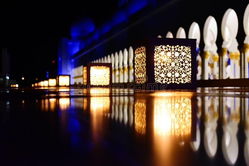 Lampiony w Sheikh Zayed Uroczystym meczecie obrazy stock