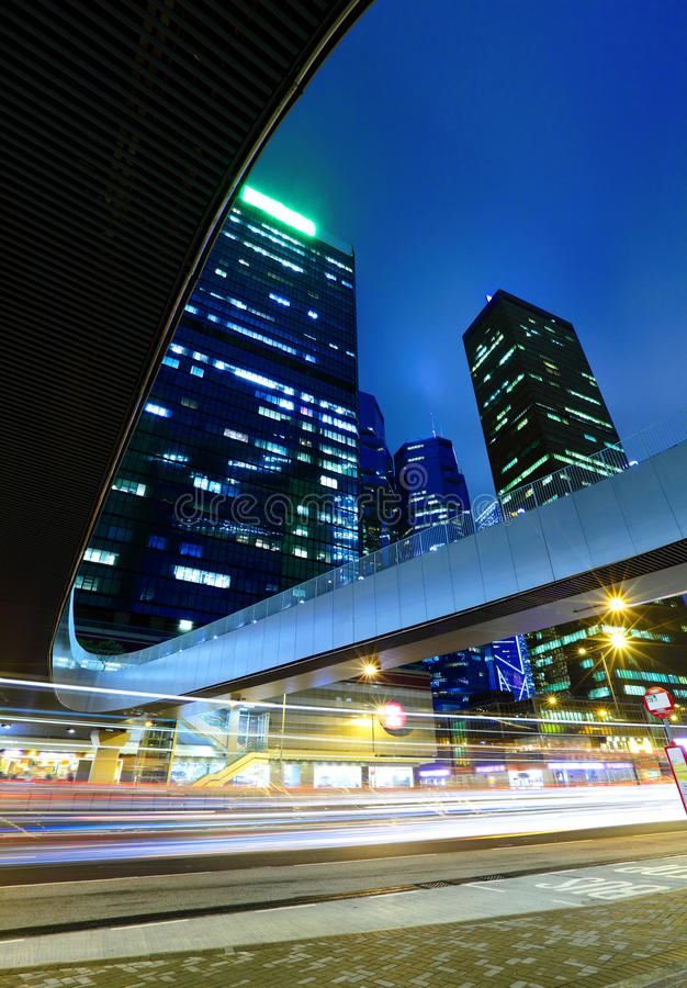 Lampor av aftontrafik fotografering för bildbyråer