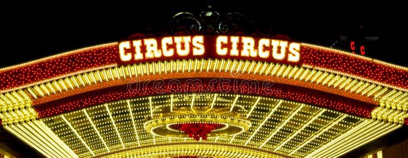 Lampor av en hotellingång i Las Vegas arkivfoton