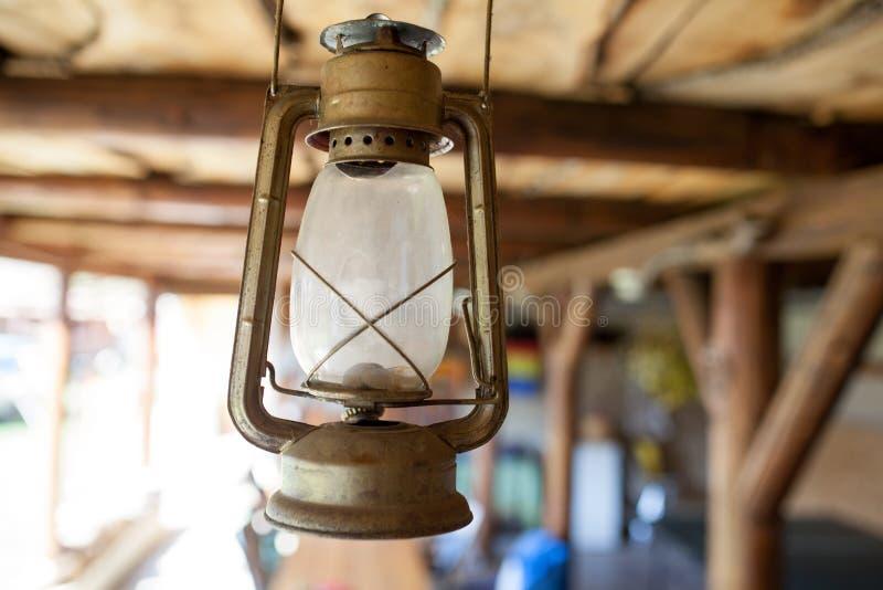 lampowe stare ropy naftowe zdjęcia stock