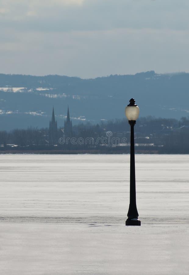 Lamppost E Lago Congelato Fotografia Stock Libera da Diritti