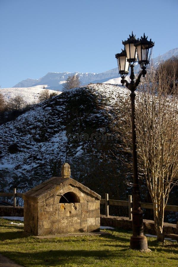 Lamppost w górach zdjęcia stock