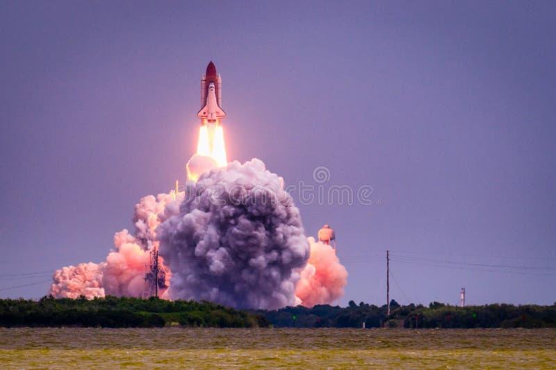 Lançamento de Atlantis-STS-135 imagens de stock
