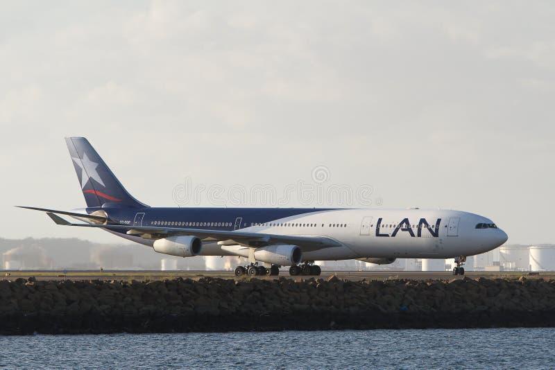 LAN Airlines Airbus A340 stråle arkivbild
