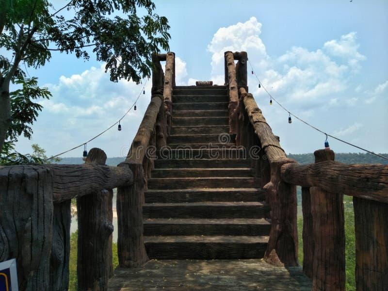 Lan Bieng Wiang Scala del punto di vista con il fondo della nuvola e del cielo immagini stock libere da diritti