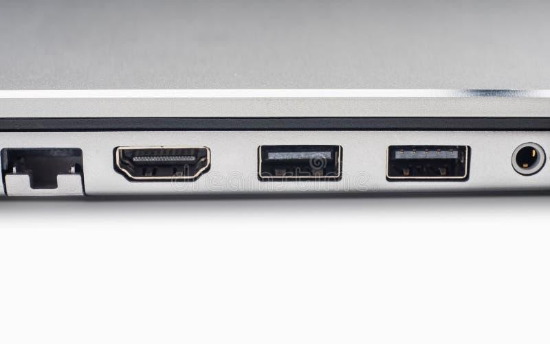 LAN, Grafik, Feuerwarndraht und USB-Porte der Laptop-Computers auf wh lizenzfreie stockfotografie
