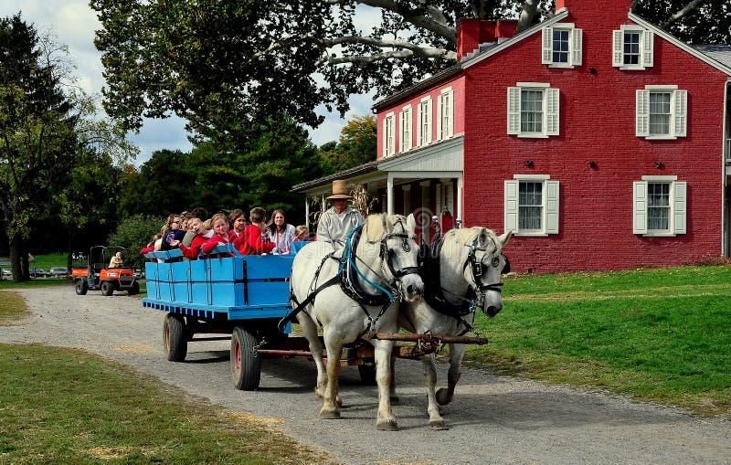 Lancaster, PA : Écoliers sur le tour de chariot photographie stock libre de droits