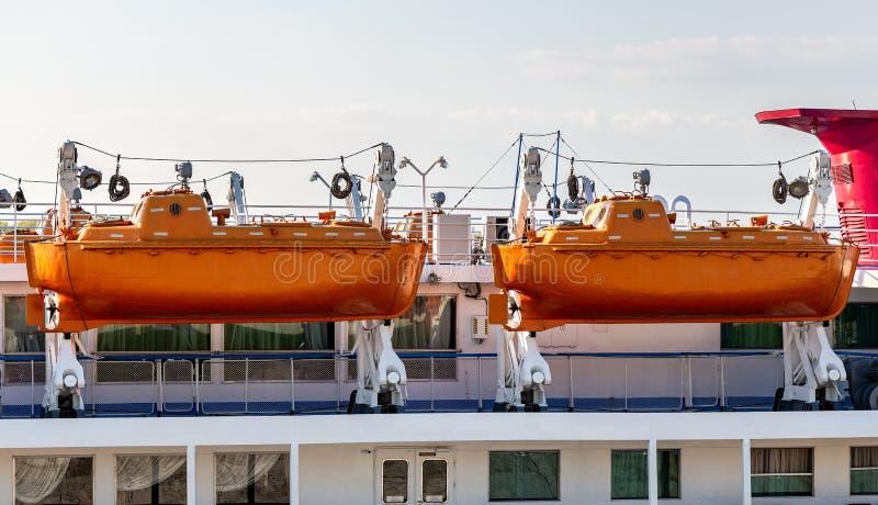 Lance di salvataggio di sicurezza della nave passeggeri di crociera del fiume fotografia stock libera da diritti